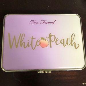 White Peach Too faced eyeshadow